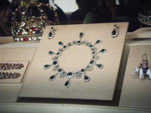 Napoleon's Crown Josephine's necklace Musee du Louvre